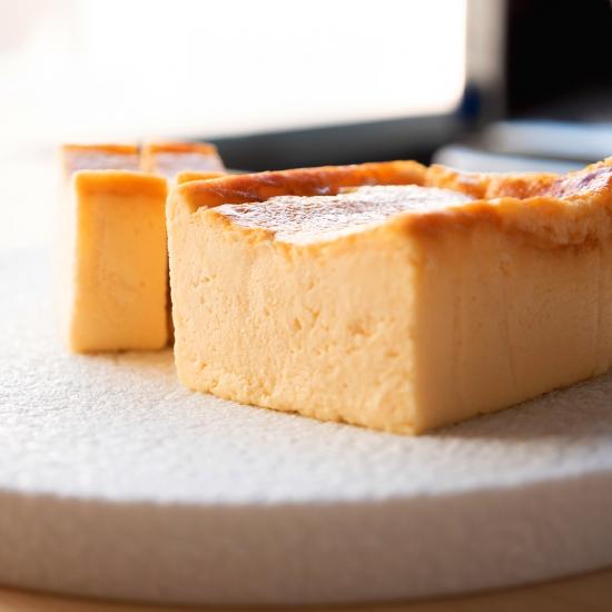 長谷川稔さんプロデュースの濃厚かつクリーミーなチーズケーキ